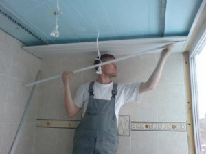 Этапы монтажа потолочных панелей